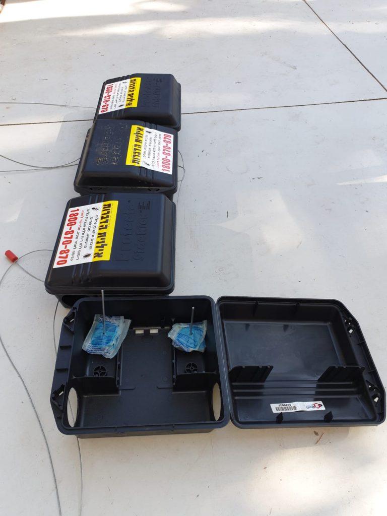 """קופסאות האכלה - מתקן ייעודי למילוי רעל למניעת האכלה על ידי בע""""ח או ילדים"""